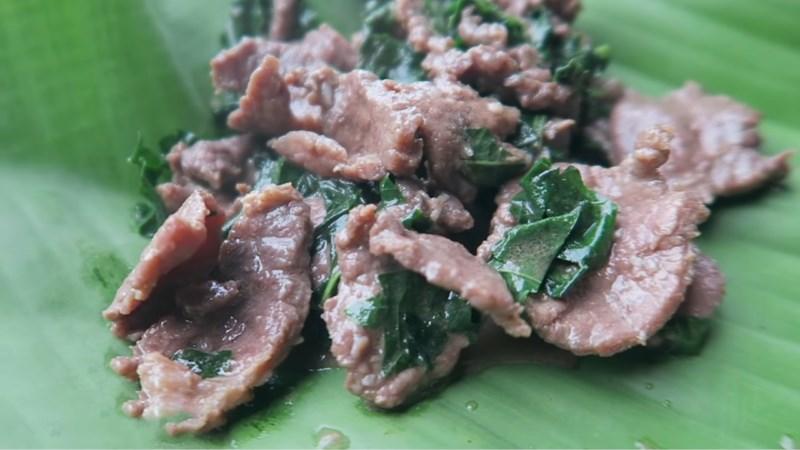 Thịt trâu xào lá lốt