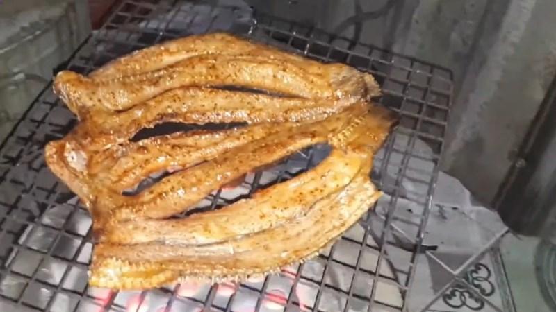 Khô cá lóc nướng