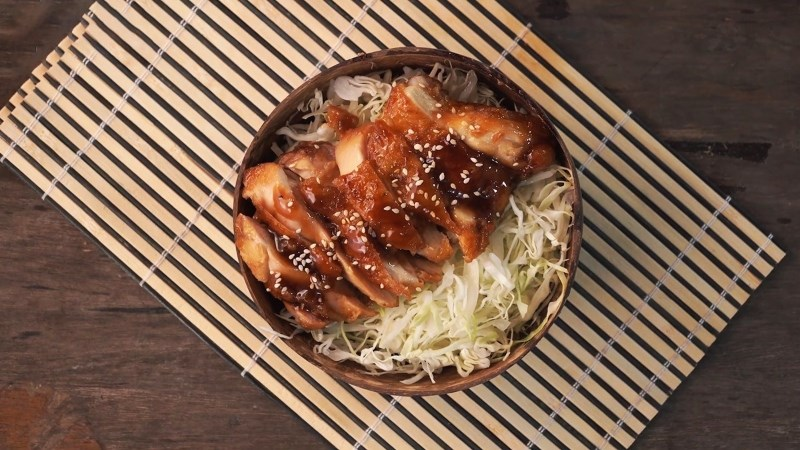 Cơm gà sốt teriyaki kiểu Nhật