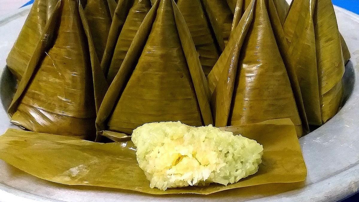 Bánh ít nếp xào nhân dừa đậu
