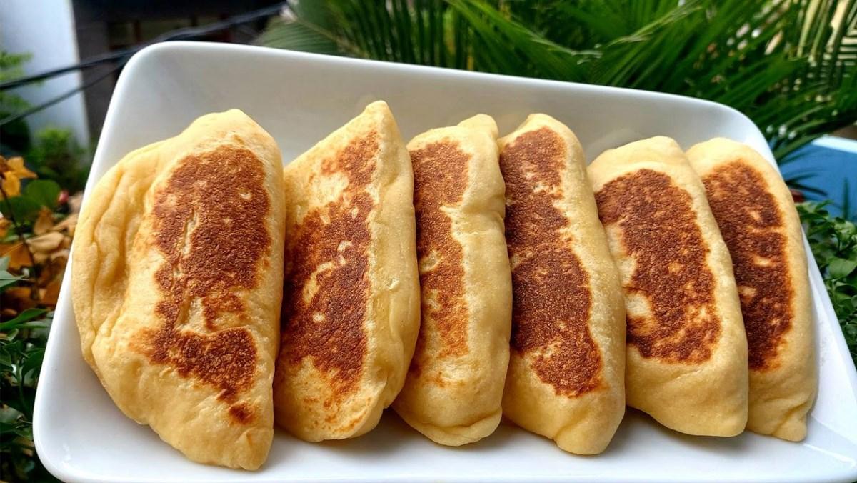 Bánh mì nhân trứng sữa (Custard)