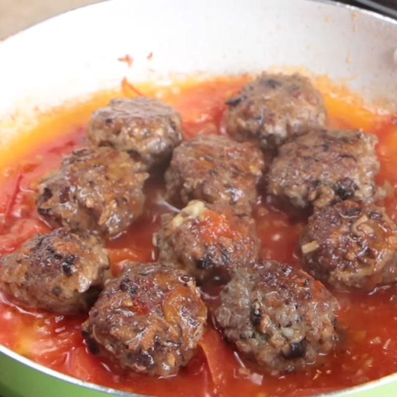 Bước 6 Làm bò viên phô mai sốt cà chua Bò bằm viên phô mai sốt cà chua