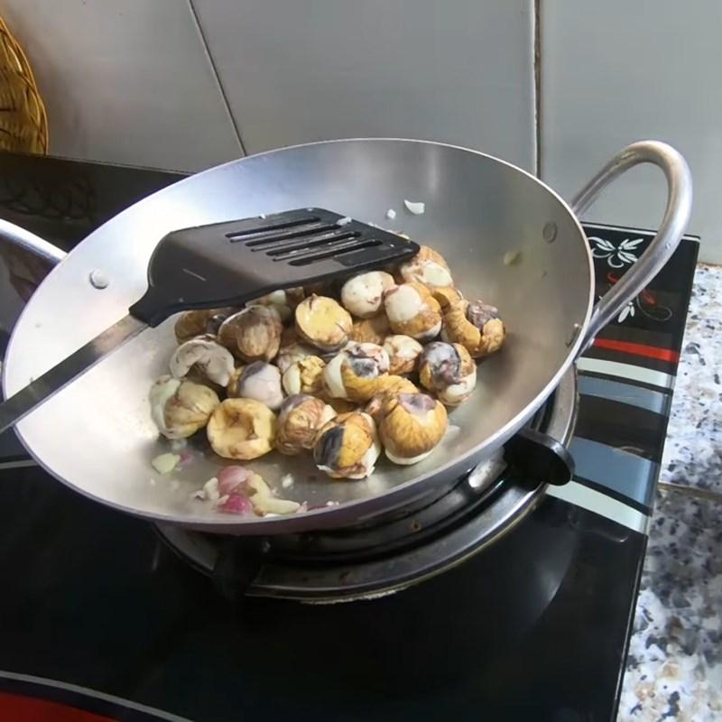 Bước 4 Rang trứng cút Cháo trứng cút lộn