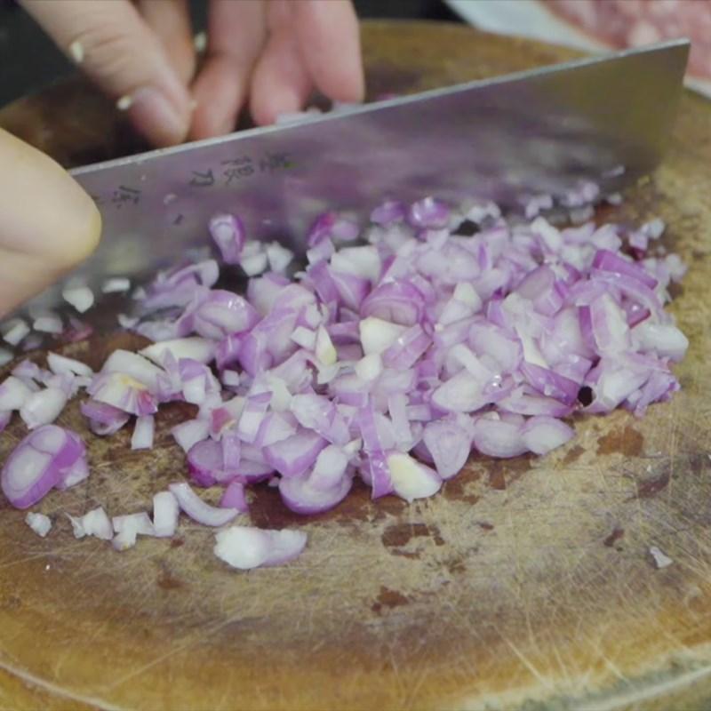 Bước 1 Băm nhỏ hành tỏi Nước chấm từ nếp hạt thịt bằm