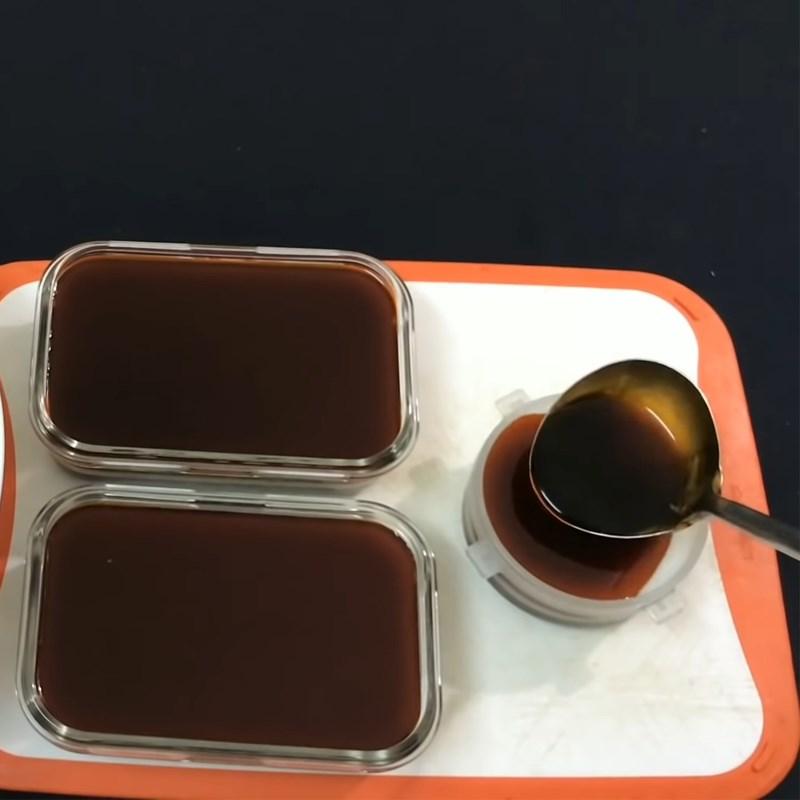 Bước 4 Đổ khuôn Rau câu trà sữa