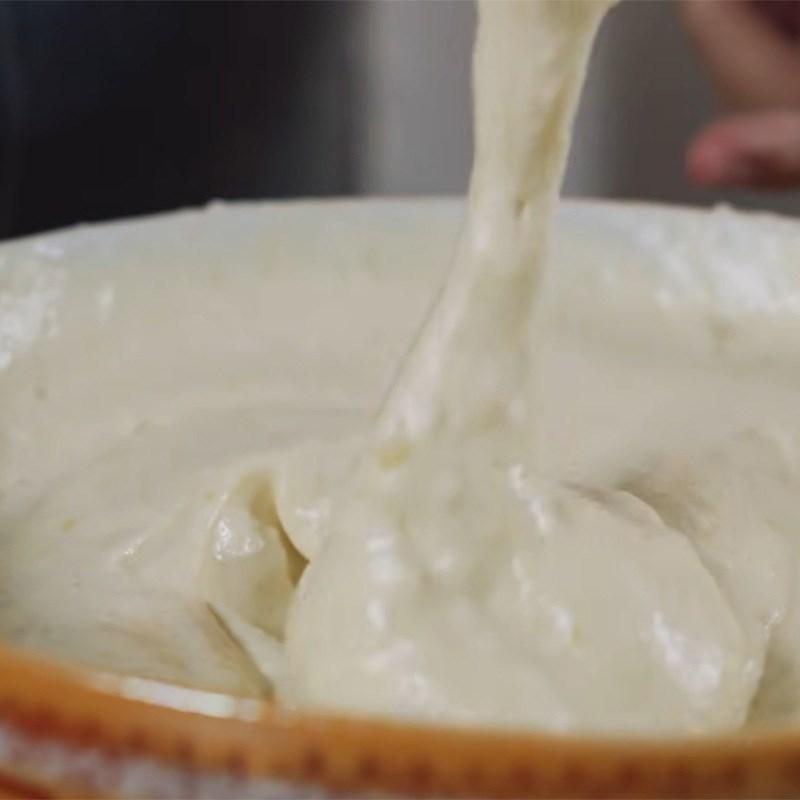 Bước 5 Hoàn thiện bột Bánh bông lan chuối hấp