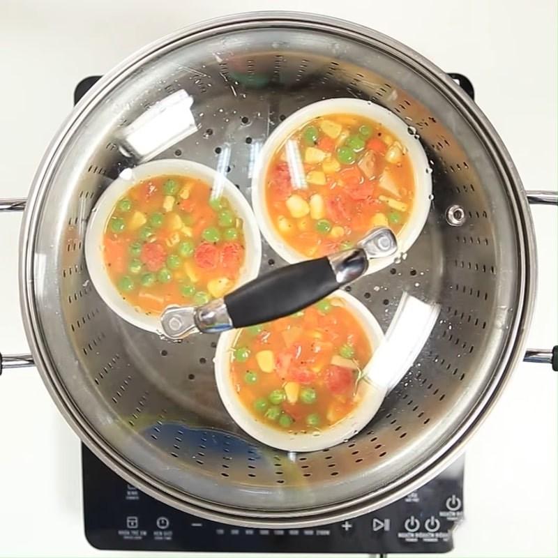 Bước 3 Hấp trứng Trứng hấp rau củ ngũ sắc