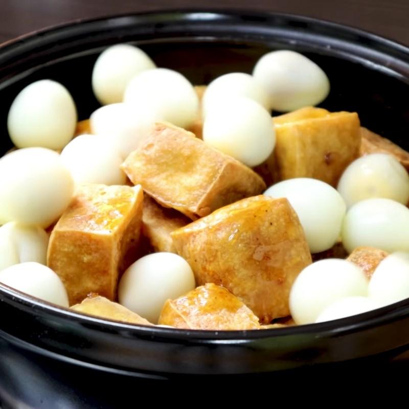 Bước 5 Kho trứng cút Trứng cút kho đậu hũ