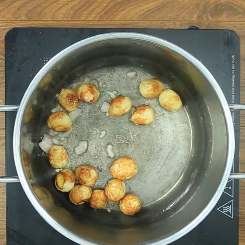 Bước 4 Kho trứng cút Trứng cút chiên kho đậu hũ