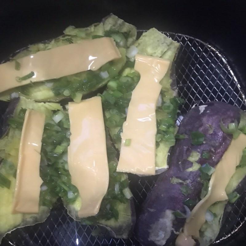 Bước 2 Làm khoai lang nướng mỡ hành Khoai lang nướng mỡ hành phô mai bằng nồi chiên không dầu