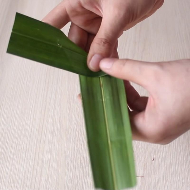 Bước 1 Làm khuôn bánh Bánh xu xê truyền thống Huế