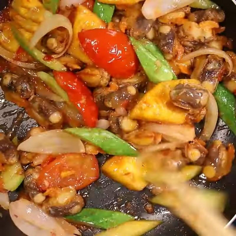 Bước 3 Làm sò lông xào chua ngọt Sò lông xào chua ngọt