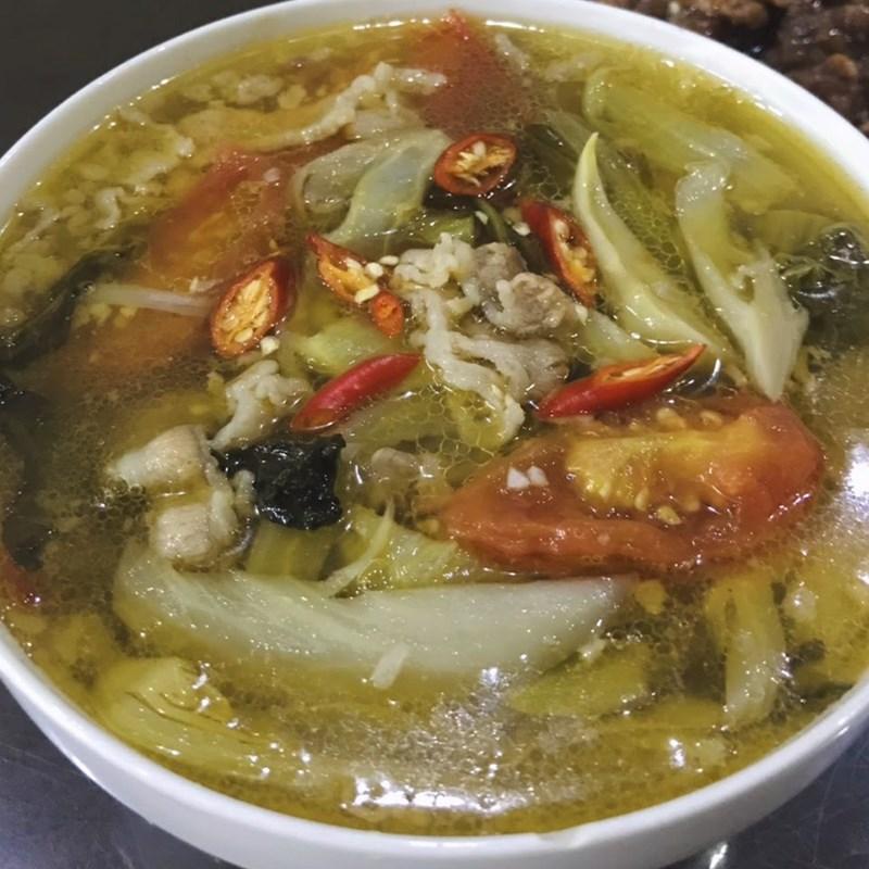 Bước 5 Nấu canh dưa chua thịt bò Canh dưa chua thịt bò