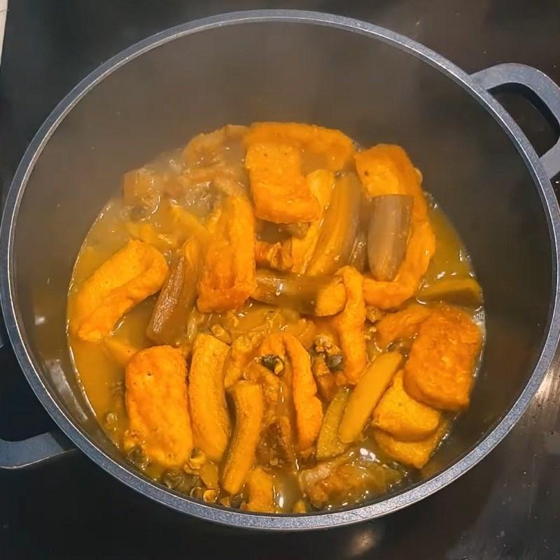 Bước 3 Nấu lẩu ốc Lẩu ốc chuối đậu