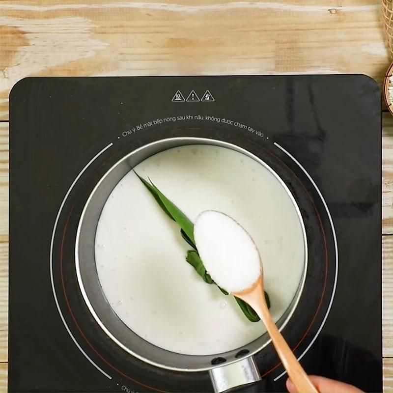 Bước 4 Nấu nước cốt Chè khoai môn nếp