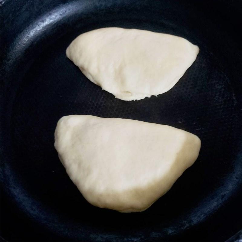 Bước 7 Nướng bánh mì bằng chảo chống dính Bánh mì nhân trứng sữa (Custard)