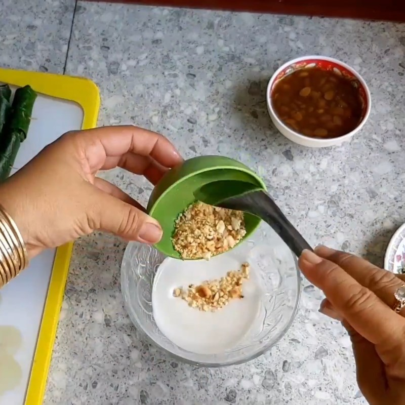 Bước 5 Pha nước chấm Chả ếch cuộn lá lốt nướng