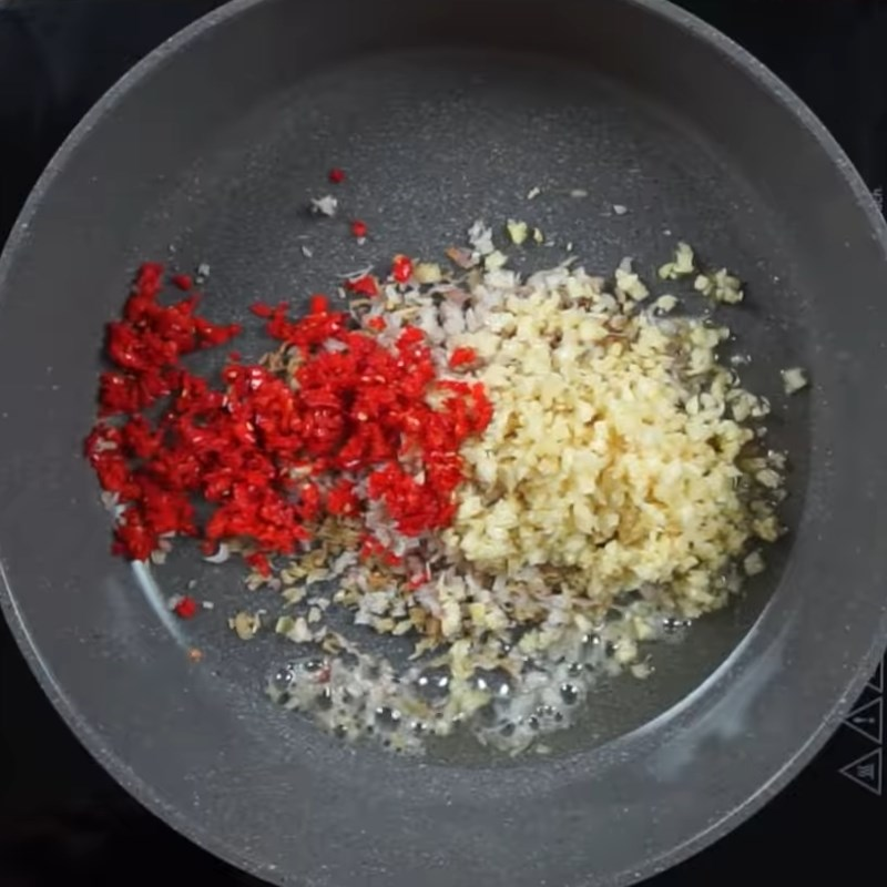 Bước 2 Pha sốt ướp Bò nướng sa tế sả