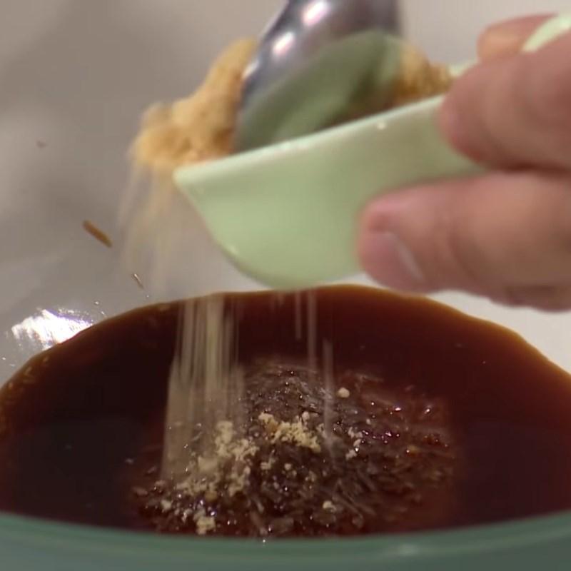 Bước 3 Pha sốt và ướp thịt vịt Vịt kho nước tương