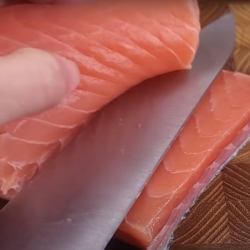 Bước 1 Sơ chế cá hồi Khô cá hồi làm bằng lò nướng