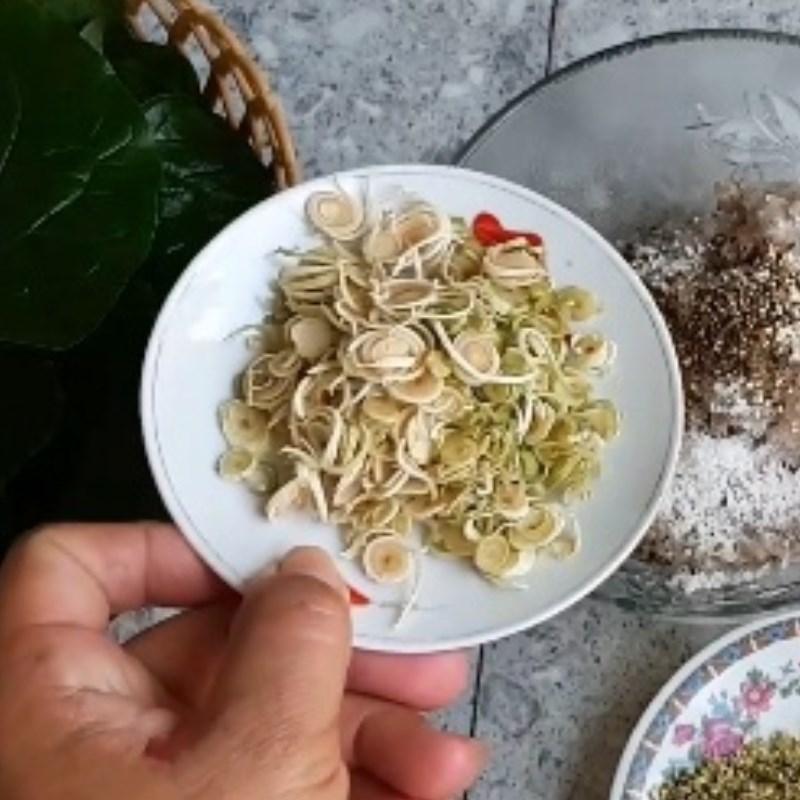 Bước 2 Sơ chế các nguyên liệu khác Chả ếch cuộn lá lốt nướng
