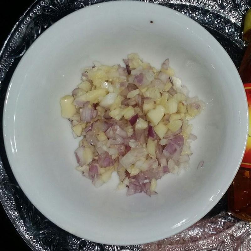 Bước 1 Sơ chế nguyên liệu Bao tử cá ngừ xào sa tế