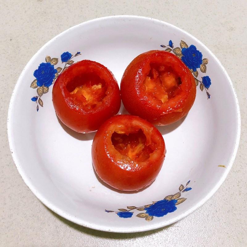 Bước 1 Sơ chế nguyên liệu và làm hỗn hợp trứng Trứng hấp cà chua