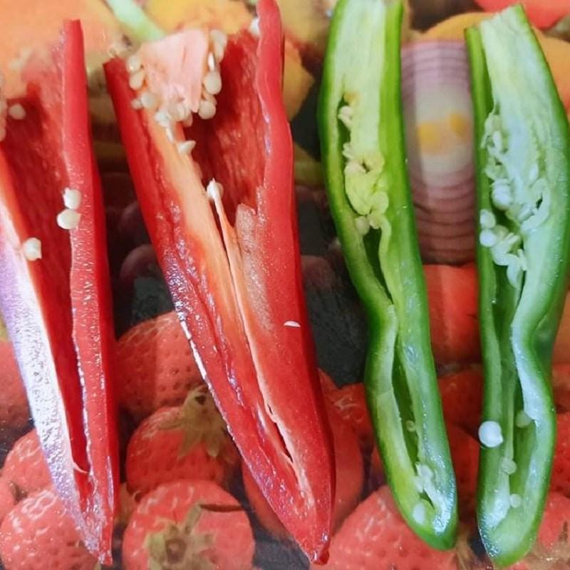 Bước 1 Sơ chế nguyên liệu Cà tím sốt cà chua