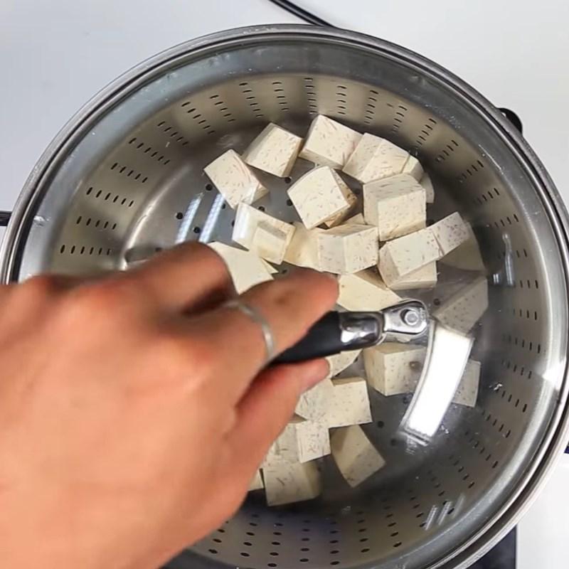 Bước 1 Sơ chế và hấp khoai môn Trà sữa khoai môn