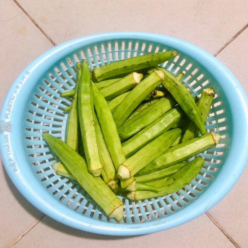 Bước 1 Sơ chế và luộc đậu bắp Đậu bắp xào trứng