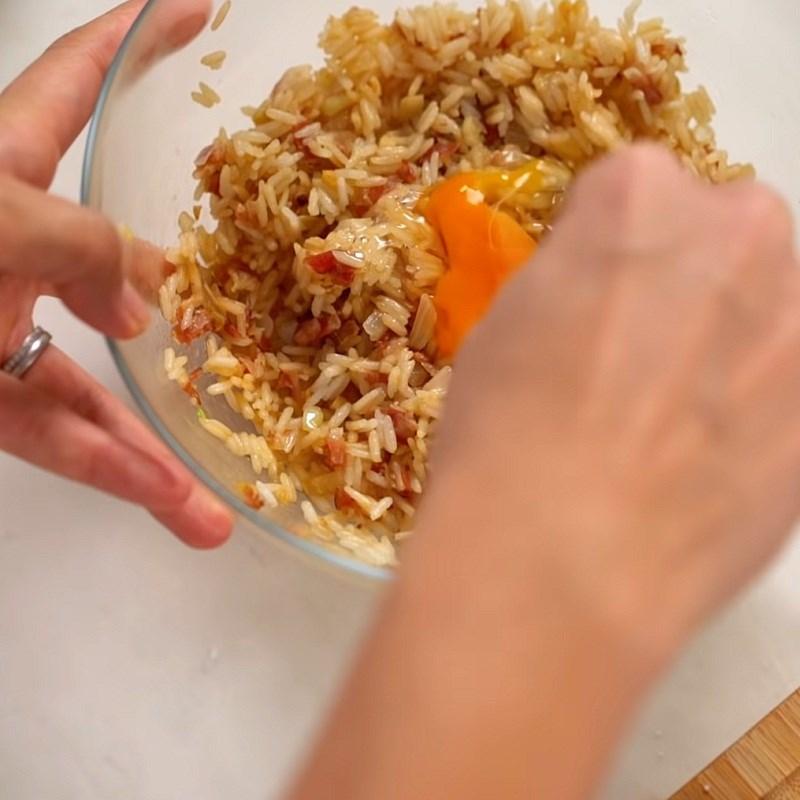 Bước 3 Trộn nhân Ba chỉ cuộn cơm ngũ vị
