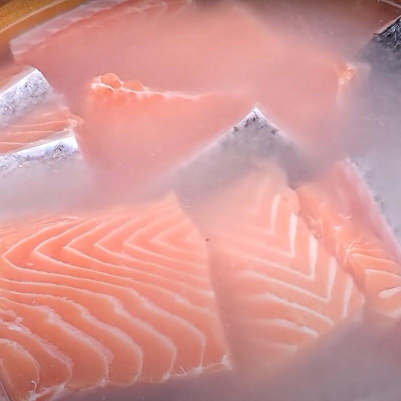 Bước 2 Ướp cá hồi Khô cá hồi làm bằng lò nướng