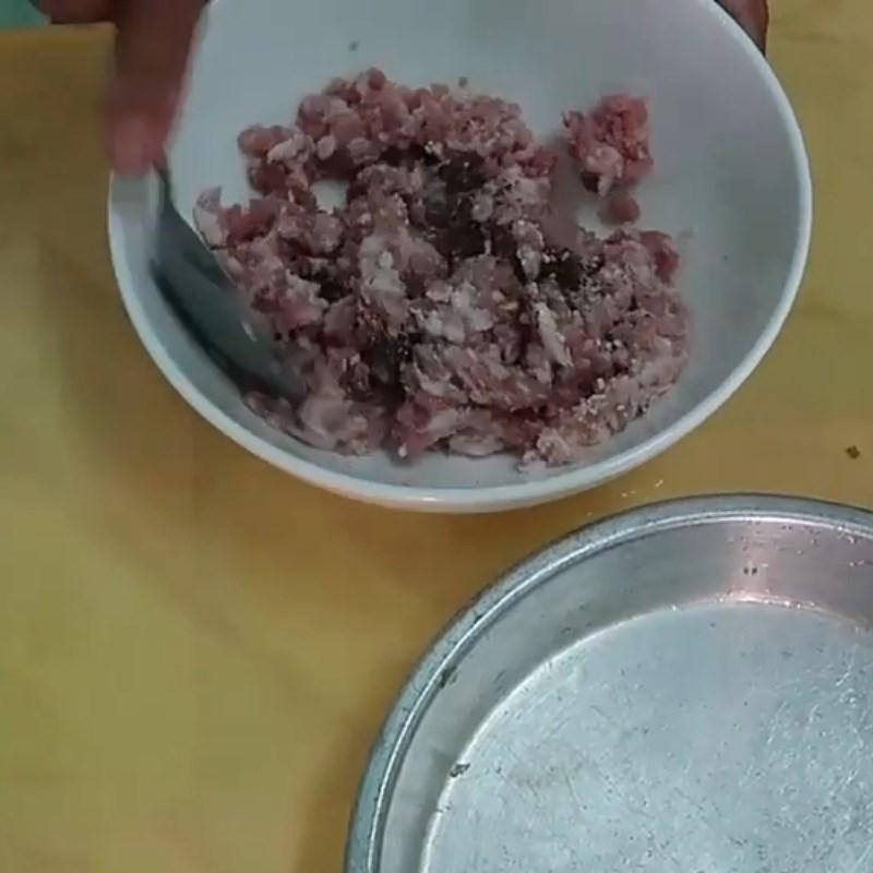Bước 1 Ướp và vò viên thịt Canh khổ qua (mướp đắng) thịt bằm vò viên