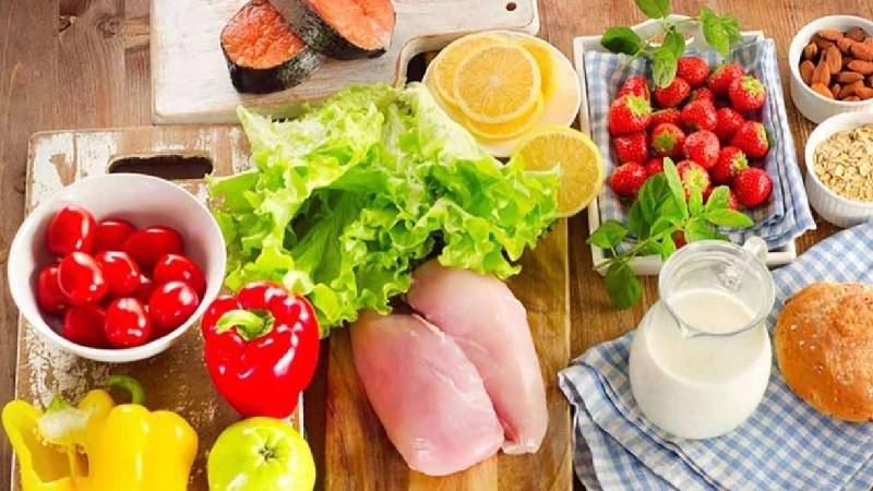 Mẹ bầu 3 tháng đầu cần ăn đa dạng thực phẩm