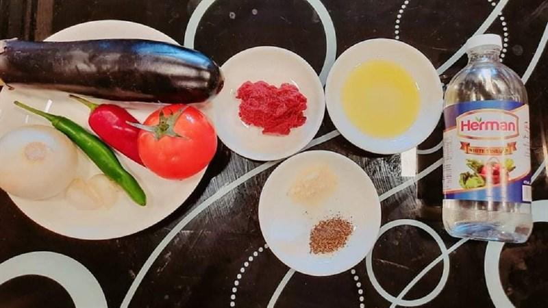 Nguyên liệu món ăn cà tím sốt cà chua