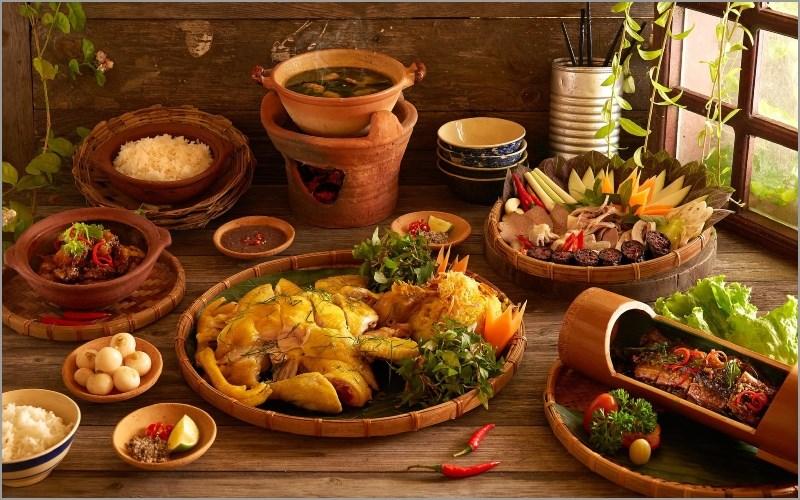 Món ăn đặc sắc từ hương vị đến màu sắc