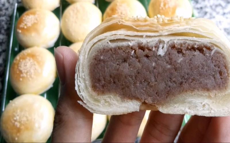 Bánh pía nhân đậu đỏ