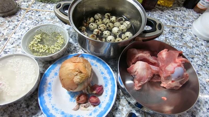 Nguyên liệu món ăn cháo trứng cút lộn