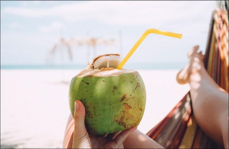 Nên uống nước dừa khi nào?