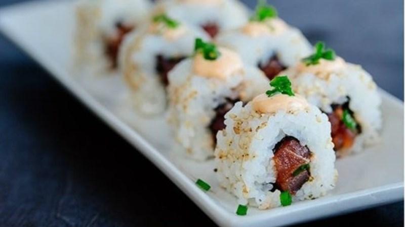 Sushi cá ngừ