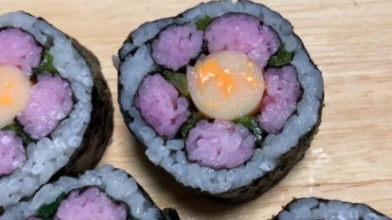 Sushi xúc xích