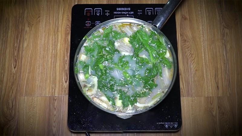 Lẩu cá tầm nấu mẻ
