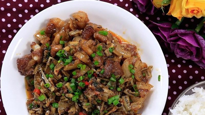 Cá cơm khô rim thịt
