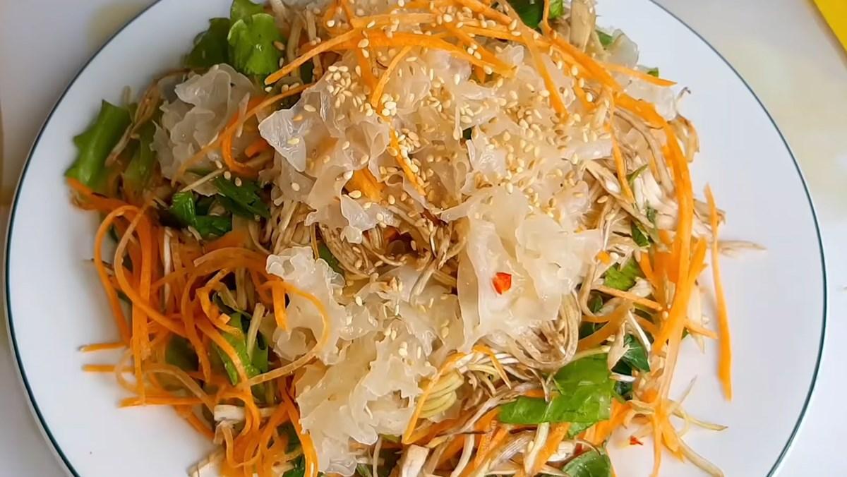 Gỏi nấm tuyết chay cà rốt bắp chuối