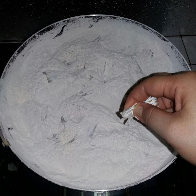 Bước 2 Làm bột khô Bánh phục linh 4 màu