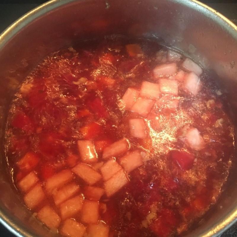 Bước 3 Nấu canh Canh củ dền thịt băm