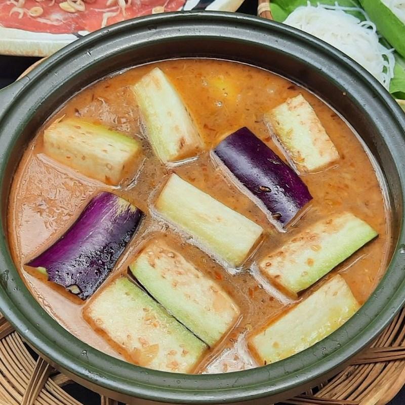 Bước 2 Nấu nước lẩu Lẩu bò mắm ruốc