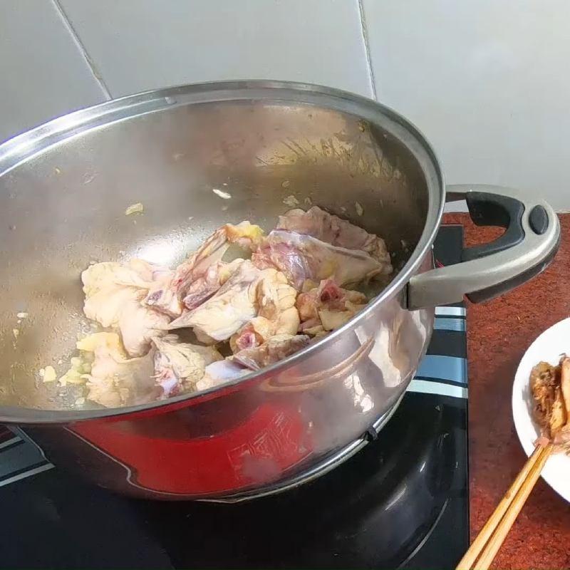 Bước 4 Nấu nước lèo Hủ tiếu hải sản