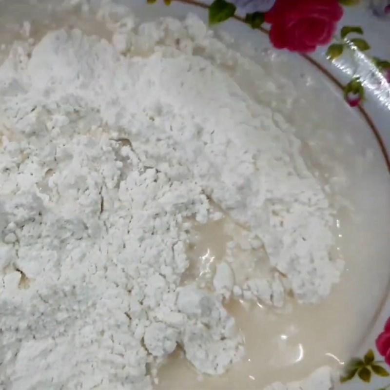 Bước 4 Nhúng gà qua bột và cốm Gà chiên cốm