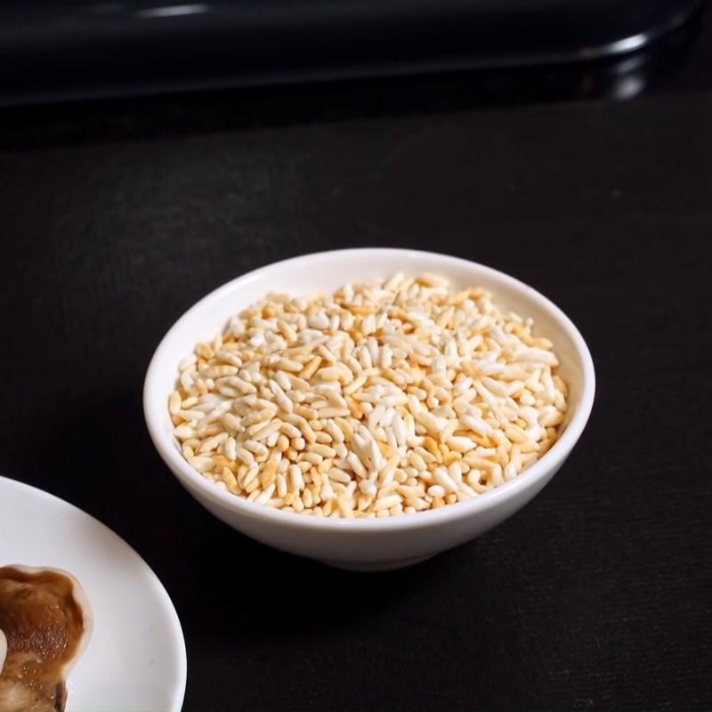 Bước 1 Rang gạo và nấu cháo Cháo nấm tràm chay